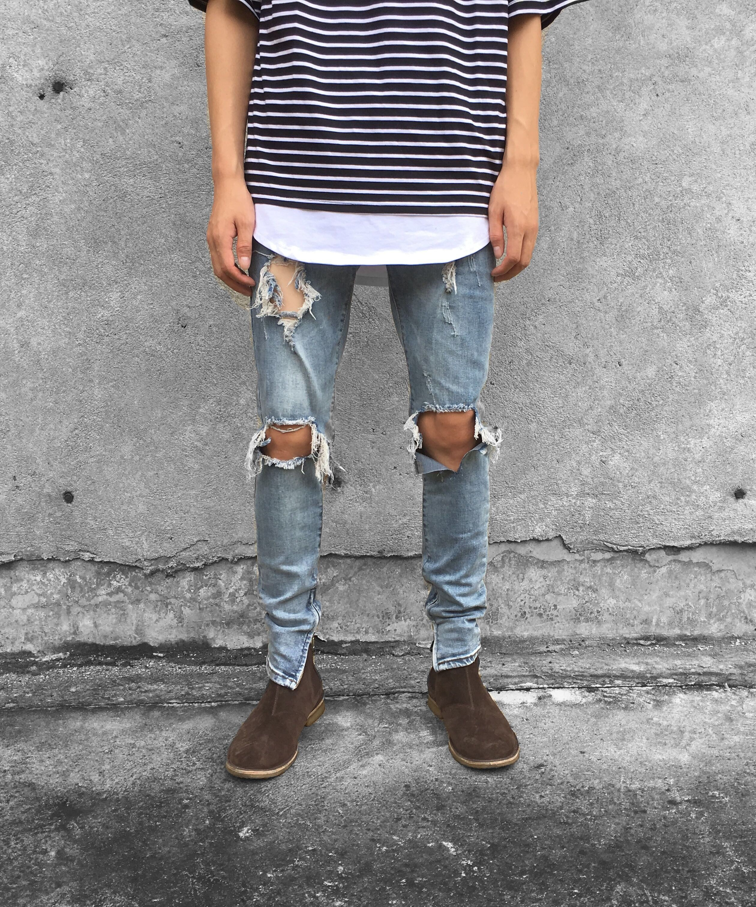 ANKLE ZIP DESTROYED JEANS